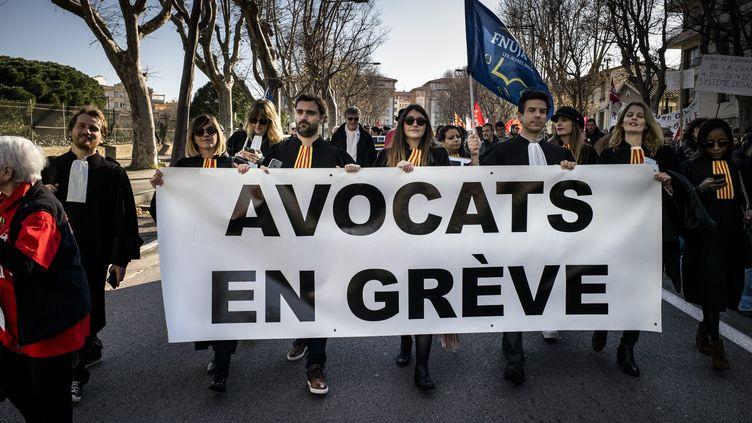Manifestation d'avocats contre la réforme des retraites à Perpignan (Pyrénées-Orientales), le 9 janvier 2020. (MAXPPP)