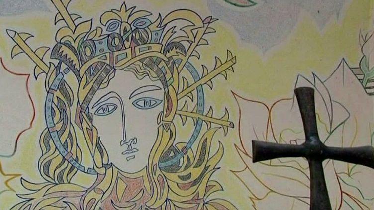 La Chapelle Cocteau - Fresque intérieure  (France 3 / Culturebox)