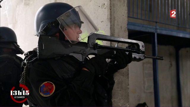 """VIDEO. """"13h15"""". Avec un peloton d'élite de la gendarmerie mobile lors d'un entraînement antiterroriste"""