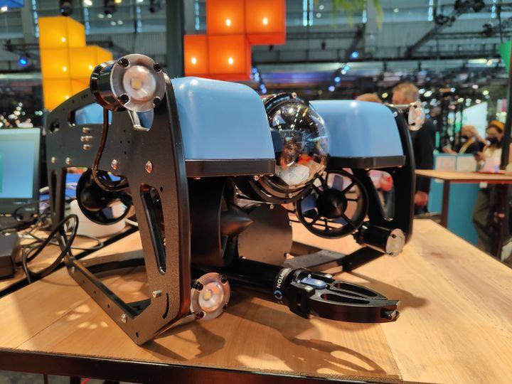 Equipé de pinces et de caméras, Ender Ocean peut attraper des déchets sous-marins. Prochaine étape : le doter d'un petit-aspirateur. (Faustine Mazereeuw)
