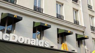 L'association UFC-Que Choisir vient de déposer une plainte contre McDonald's. Elle accuse l'enseigne de réaliser des publicités cachées en utilisant de très jeunes influenceurs présents sur la toile. (CAPTURE D'ÉCRAN FRANCE 3)
