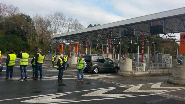 """""""Gilets jaunes"""" au péage de Biriatou (Pyrénées-Atlantiques), le. 1er décembre 2018 (VALÉRIE MENUT / RADIO FRANCE)"""