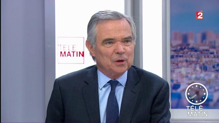 """Le secrétaire général des Républicains, Bernard Accoyer, invité des """"4 Vérités"""" sur France 2, le 11 juillet 2017. (FRANCE 2)"""