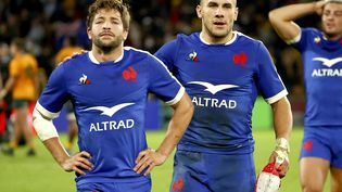 Le XV de France s'est incliné au terme d'une fin de match complètement folle face à l'Australie. (PATRICK HAMILTON / AFP)