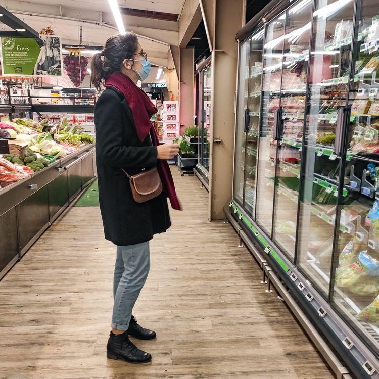 Dans un supermarché de Joinville-le-Pont (Val-de-Marne), le 5 novembre 2020. (L?O PIERRE / HANS LUCAS / AFP)