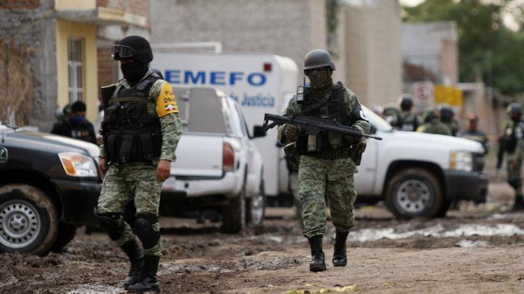 Le journaliste assassiné enquêtait sur le crime dans l'Etat deGuanajuato (Mexique), où la violence est très présente. Sur cette photo prise le 1er juillet 2020 à Irapuato, la police intervenait après une fusillade ayant fait 24 morts dans un centre de désintoxication. (MARIO ARMAS / AFP)