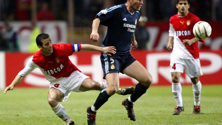 En 2004, Ludovic Giuly et l'AS Monaco avaient renversé le Real Madrid de Zinédine Zidane. (GERARD JULIEN / AFP)