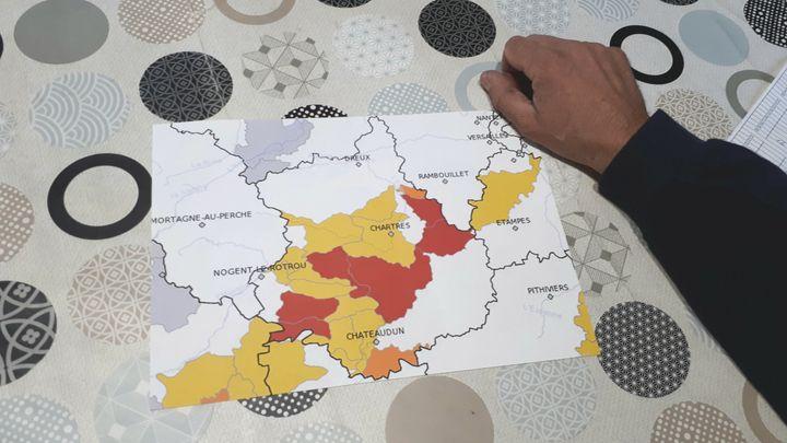 La carte de la FDSEA d'Eure-et-Loir montrant, en rouge, les zones de forte sécheresse. (RADIO FRANCE / FRANCE INFO)