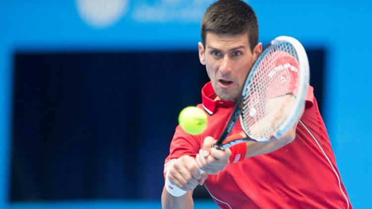 Novak Djokovic et son fameux revers à deux mains (STRINGER / IMAGINECHINA)