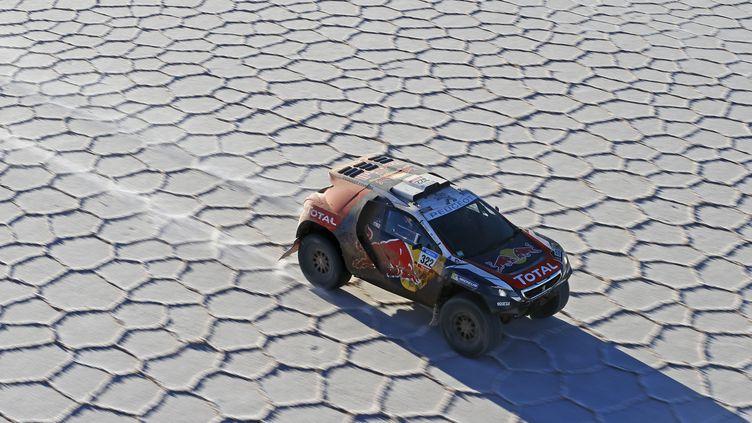 La Peugeot 2008 DKR sur le salar d'Uyuni en janvier 2015 (FREDERIC LE FLOCH / DPPI MEDIA)