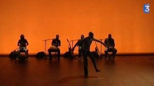 Salia Sanou et Seydou Boro dansent au Festival Extra  (Culturebox)