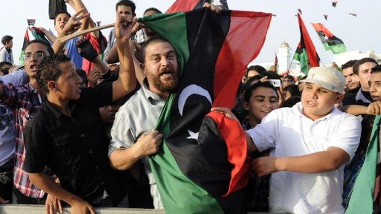 Les Libyens fêtent leur joie dans Misrata. (PHILIPPE DESMAZES / AFP)