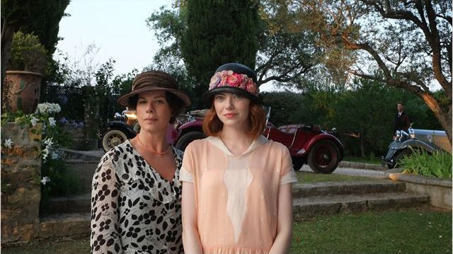 "Emma Stone et marcia Gay Harden dans ""Magic in the Moonlight"" de Woody Allen  (Gravier Productions)"