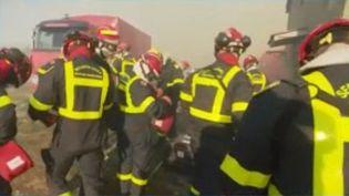 En Corse, à cause des vents violents, l'intervention des pompiers est difficile. Le journaliste de France Télévisions Léo Marron est en direct de Biguglia en Haute-Corse pour faire le point sur la situation. (FRANCE 3)