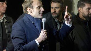 Emmanuel Macron, le 16 janvier 2017 àQuimper (Finistère). (FRED TANNEAU / AFP)