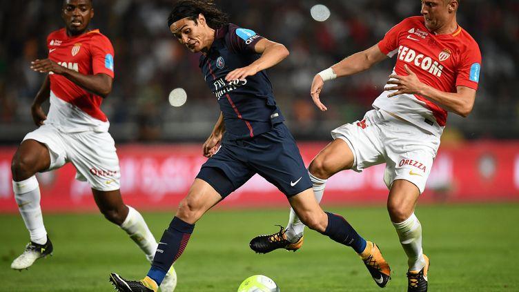 Les Parisiens ont frappé les premiers en remportant en juillet le trophée des champions.  (FRANCK FIFE / AFP)