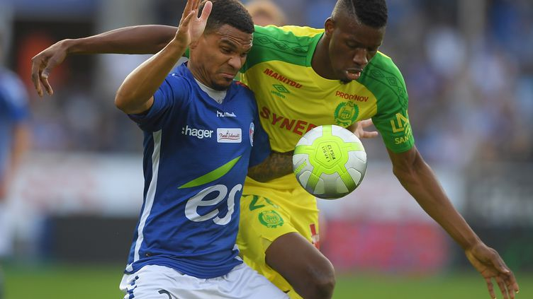 Nantes a dominé Strasbourg (2-1) et se hisse à la 5e place de Ligue 1. (PATRICK HERTZOG / AFP)