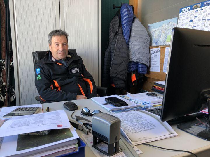 Le directeur de la station Superbagnères (Haute-Garonne), Christian Mathias, le 18 février 2020. (THOMAS BAIETTO / FRANCEINFO)