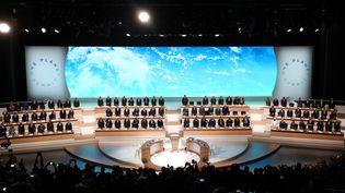 Les chefs d'Etat au début du One Planet Summit, à La Seine musicale de l'île Seguin, à Boulogne-Billancourt (Hauts-de-Seine), le 12 décembre 2017. (LUDOVIC MARIN / AFP)
