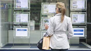 Le projet de loi pour l'Accès au logement et un urbanisme rénové (Alur) a été présenté en Conseil des ministres par Cécile Duflot, le 26 juin 2013. (DAVE AND LES JACOBS / BLEND IMAGES / GETTY IMAGES)