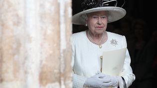 La reine d'Angleterre Elisabeth II, à la sortie de l'abbaye de Westminster à Londres (Royaume-Uni), le 16 novembre 2011. (CHRIS JACKSON / REUTERS)
