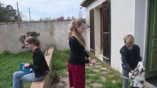 Confinement : les familles s'organisent pour faire garder leurs enfants (CAPTURE D'ÉCRAN FRANCE 3)