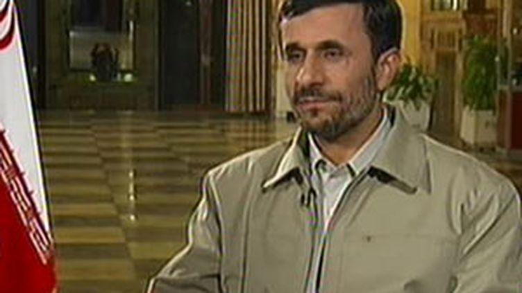 Le président iranien Ahmadinejad donne une interview exclusive mardi soir à France 2. (F2)