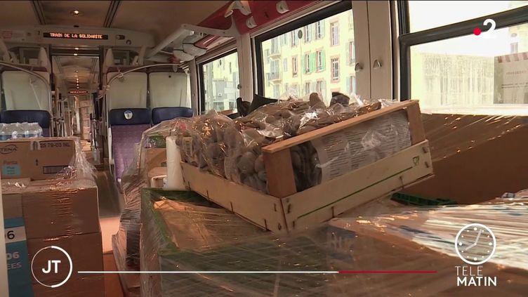Des denrées transportées en train pour les sinistrés de Breil-sur-Roya (France 2)