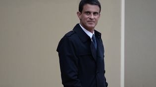 Manuel Valls quitte l'Elysée à Paris le 19 mai 2016. (STEPHANE DE SAKUTIN / AFP)