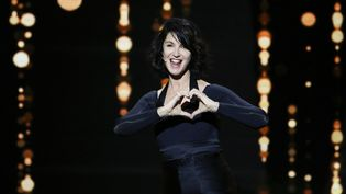 """La 30e cérémonie des Molières, présentée par l'actrice Zabou Breitman, a récompensé """"Adieu Monsieur Haffmann"""" de quatre statuettes.  (GEOFFROY VAN DER HASSELT / AFP)"""