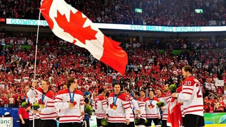 Les hockeyeurs canadiens champions olympiques à domicile