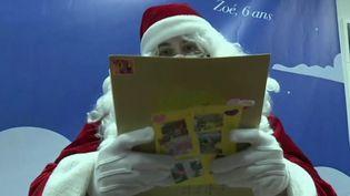 Covid-19 : face à la crise sanitaire, le Père Noël fait preuve d'imagination (FRANCE 2)