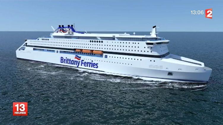 Capture d'écran de France 2 montrant une maquette d'unnavire à gaz naturel liquéfié (GNL) commandé parBrittany Ferries aux chantiers STX de Saint-Nazaire. (FRANCE 2  / FRANCETV INFO)