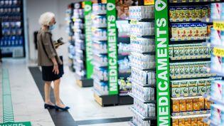 Les rayons d'une pharmacie à Paris, le 8 septembre 2020. (MARTIN BUREAU / AFP)