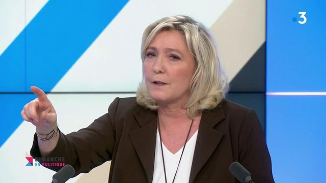 """Pour la présidente du Rassemblement national Marine Le Pen, la gestion de la crise sanitaire par Emmanuel Macron est """"une véritable débâcle"""""""