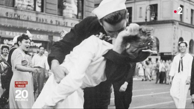 """États-Unis : le marin du """"baiser de Time Square"""" est décédé"""