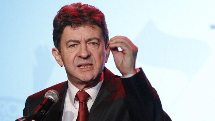 Jean-Luc Mélenchon prononce un discours lors de l'inauguration de son QG de campagne, aux Lilas (Seine-Saint-Denis), le 18 octobre 2011. (AFP - Patrick Kovarik)