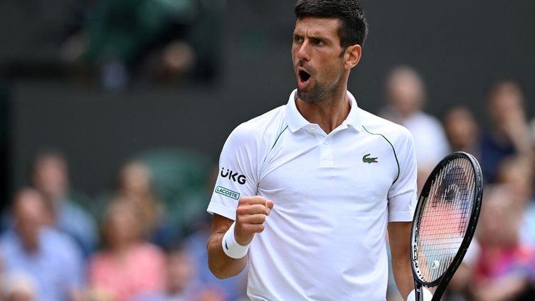 Nova Djokovic lors des quarts de final de Wimbledon face àMarton Fucsovics, le 7 juillet 2021. (GLYN KIRK / AFP)