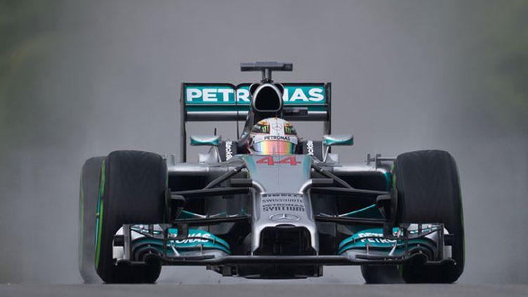 Le Britannique Lewis Hamilton au volant de sa Mercedes