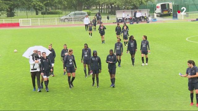 Coupe du monde de football : quelles différences entre les filles et les garçons ?