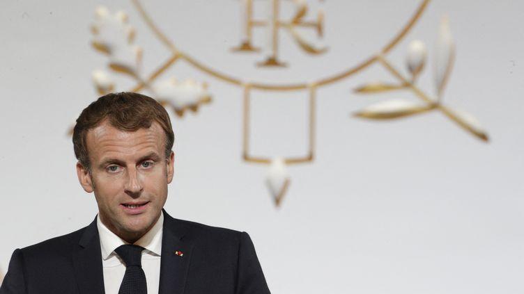 Emmanuel Macron prononce un discours à l'Elysée, à Paris, le 20 septembre 2021. (STEFANO RELLANDINI / AFP)