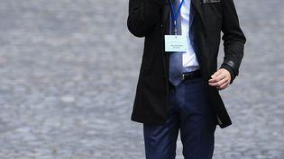 Ismael Emelien, alors qu'il était conseiller spécial d'Emmanuel Macron, le 14 mai 2017 à Paris. (MARTIN BUREAU / AFP)