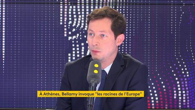 """François-Xavier Bellamy, tête de liste Les Républicains aux élections européennes, invité du """"8h30 Fauvelle-Dély"""", mercredi 8 mai 2019. (FRANCEINFO / RADIOFRANCE)"""