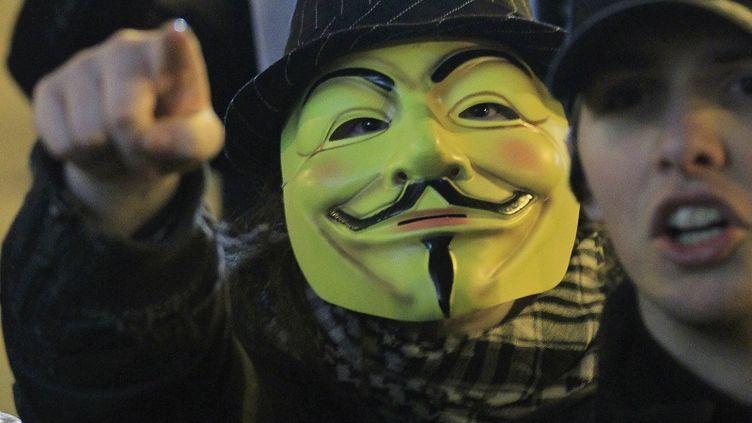 Les Anonymous se sont attaqués aux serveurs mails du ministère syrien des Affaires présidentielles. (YVES HERMAN / AFP)