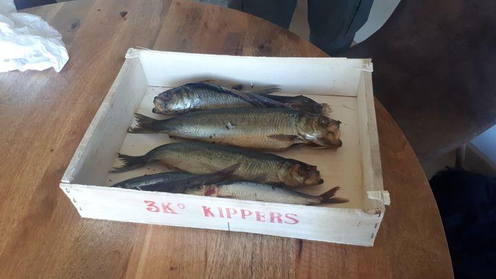Des kippers mais aussi des maquereaux, de la sardine. Du poisson au moins cinq fois par jourpour le nageur qui a pris 47 kg en quatre ans. (FARIDA NOUAR / RADIO FRANCE)