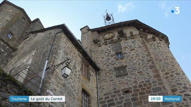 Cantal : à la découverte du pittoresque village de Salers