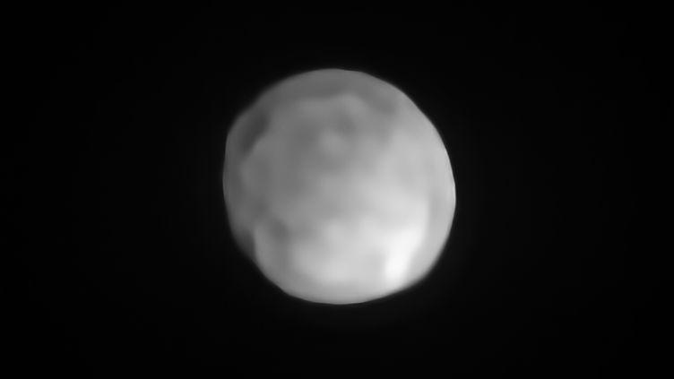 Une nouvelle image d'Hygiea prise par l'instrument SPHERE du VLT (Very large Telescope), le 28 octobre 2019. (EUROPEAN SOUTHERN OBSERVATORY)