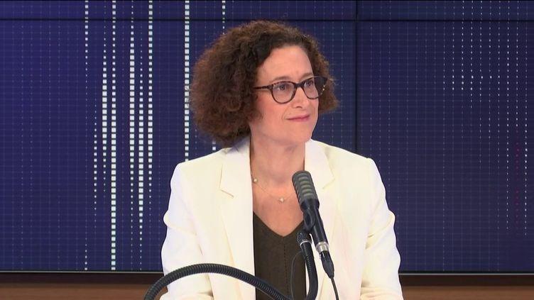 """Emmanuelle Wargon, ministre déléguée chargée du Logement, était l'invitée du """"8h30 franceinfo"""", mardi 29 septembre 2020. (FRANCEINFO / RADIOFRANCE)"""