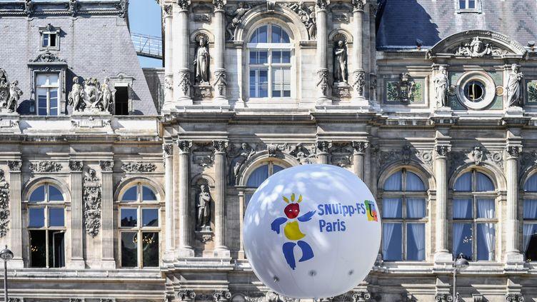 Un ballon du syndicat Snuipp-FSU. (JULIEN MATTIA / LE PICTORIUM / MAXPPP)
