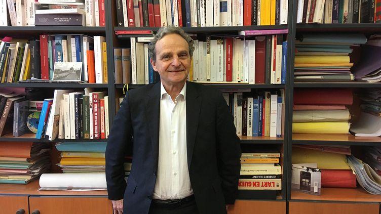 Marc Lazar, le 22 janvier 2010, à Paris. (ENRIQUE RUBIO / EFE)
